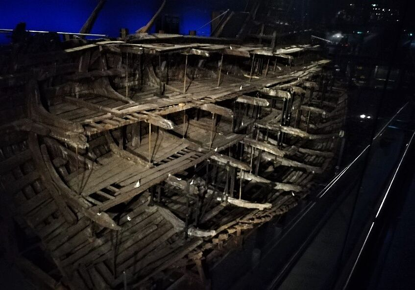 The Mary Rose's remaining side – picture by Nicola Ziggiotto